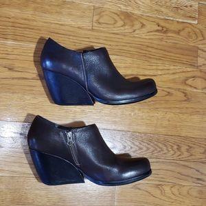 Kork-Ease holmes leather wedge booties. 9